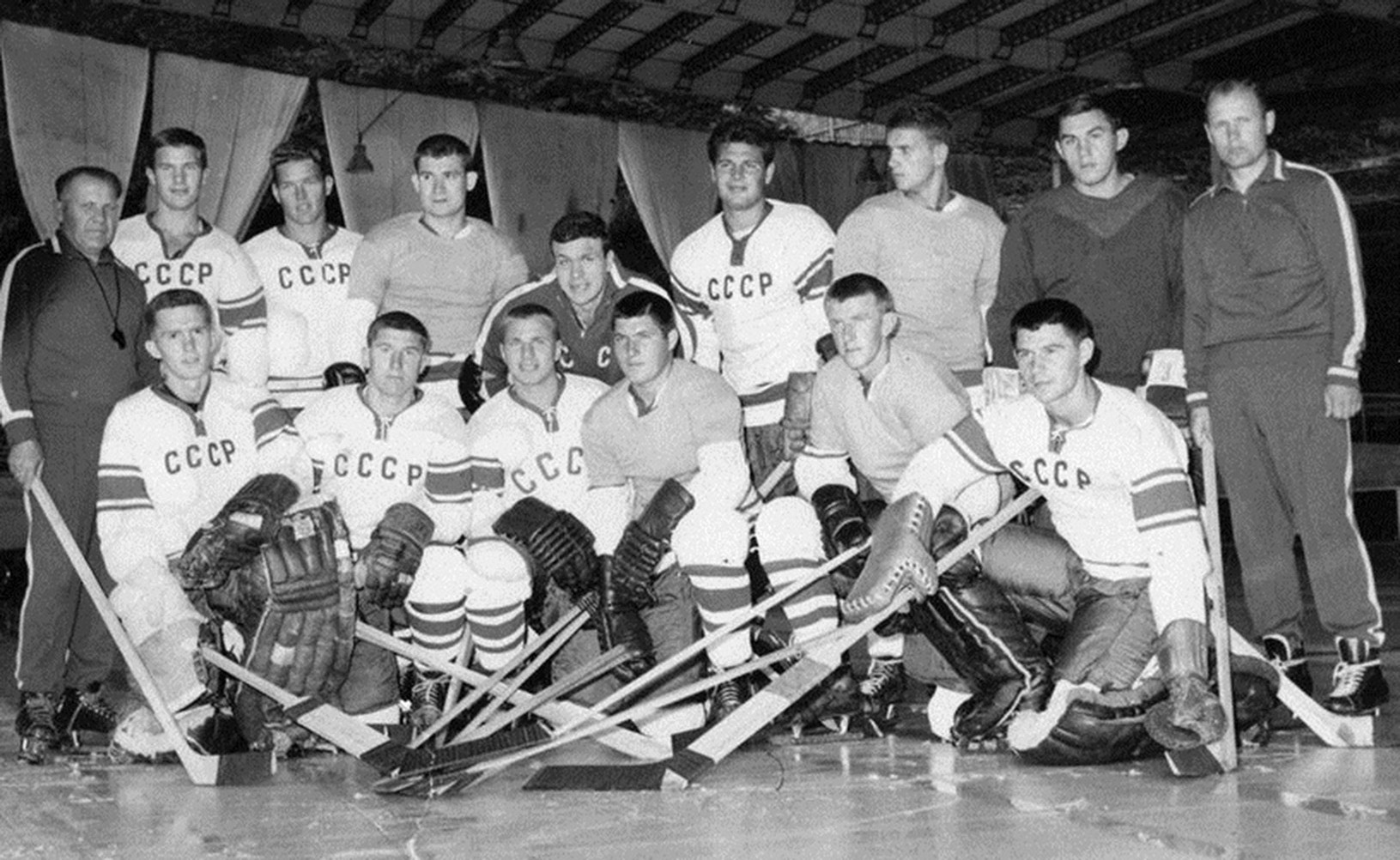 вторая сборная 66-67, Зубарев справа