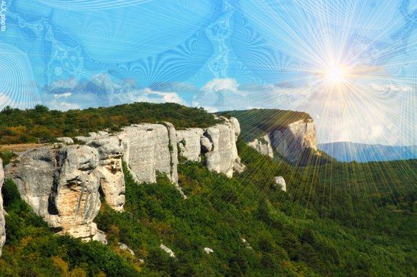 Вид скалы Крымских гор. Вечеретт