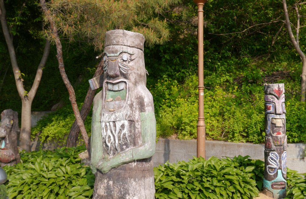 Чончжу Ханок деревянные идолы 2