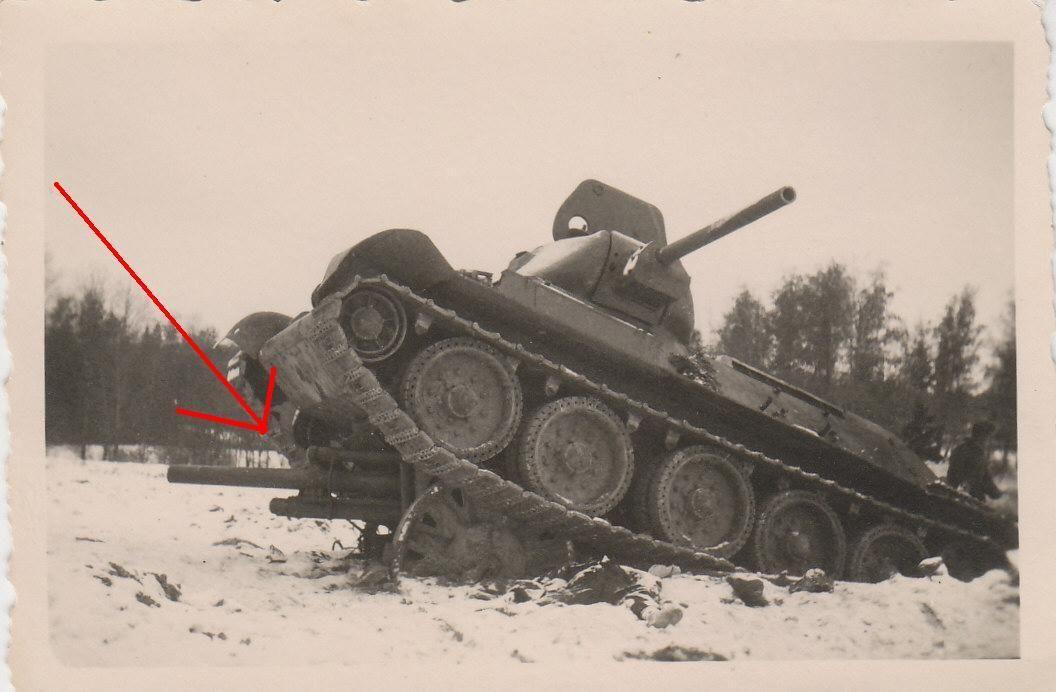 (140226000022)_Foto_Panzer_Tank_auf_Pak_Gesch_tz_gefahren_T_34_Russia