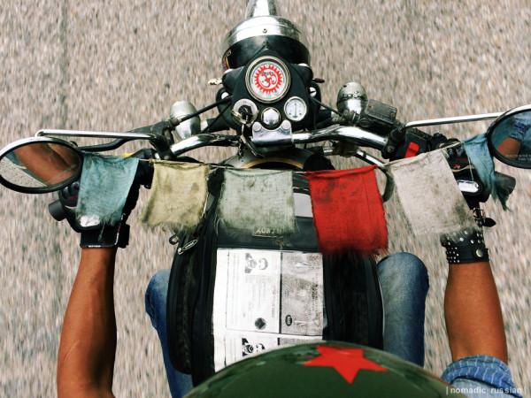 20140503-India-Nepal-moto-ZH4557