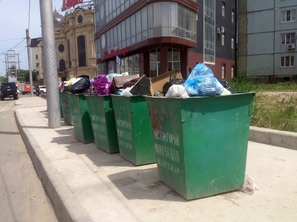 мусорка на акушинского2