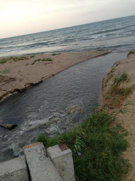 Дагестан, Махачкала, фекалии, канализация, Каспийское море, пляж
