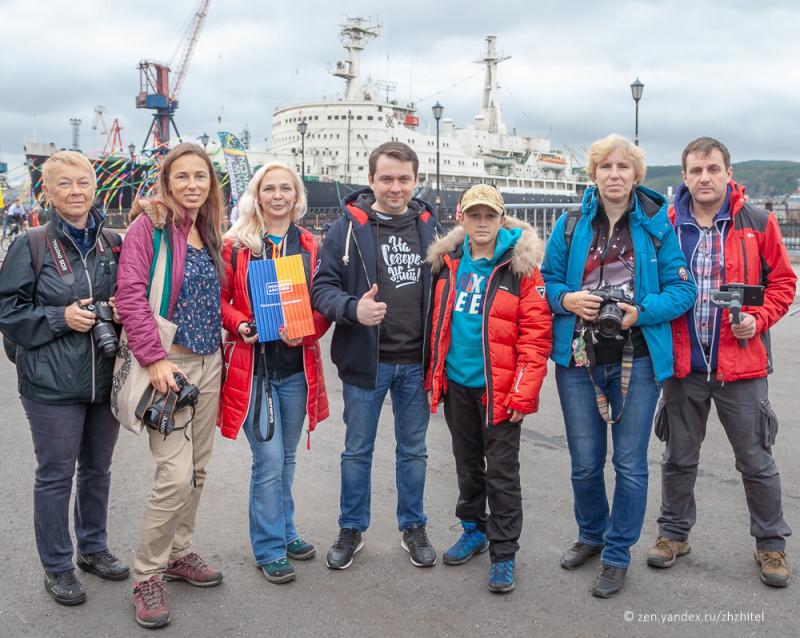 С Андреем Чибисом на фоне атомного ледокола «Ленин»