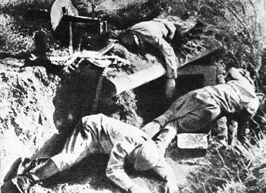 Русский медведь был мертв, но ложиться не хотел. 1941 год