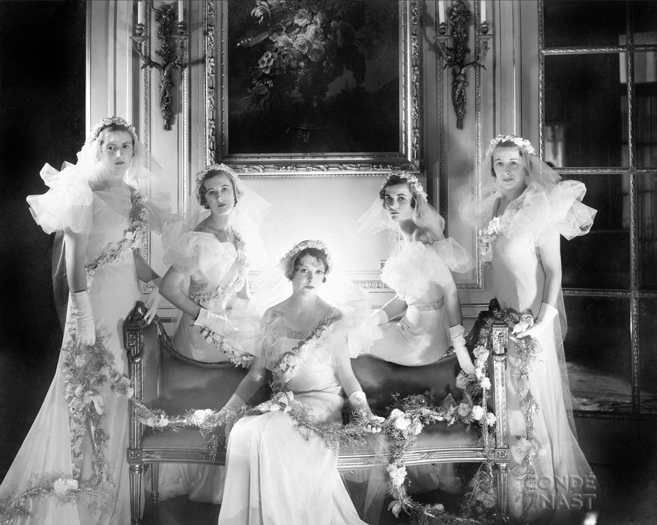 Lady Violet Pakenham, Baba Beaton, Lady Anne Wellesley, Margaret Whigham, and Liticia Chattock. The photograph appeared in the May 1, 1933, Vogue.
