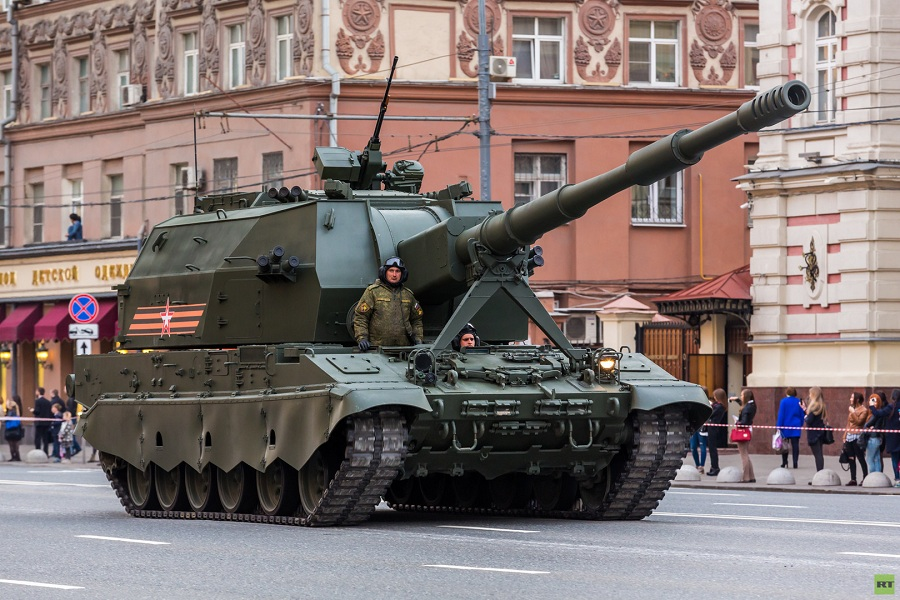 САУ Коалиция-СВ на репетиции Парада 28.04.16 в Москве(с)RT