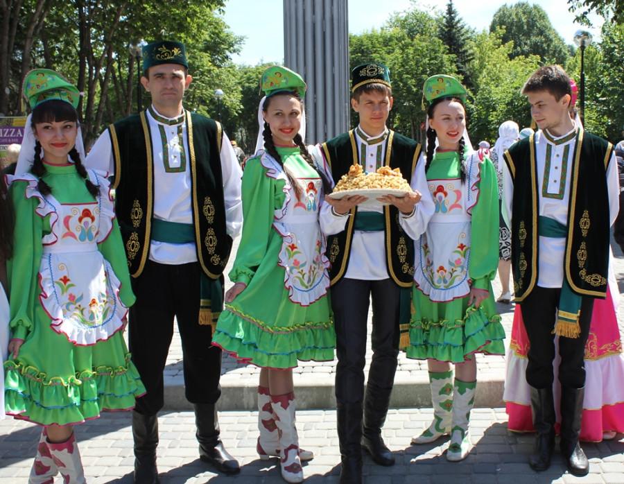 крупная фото людей татарской национальности мужчин при
