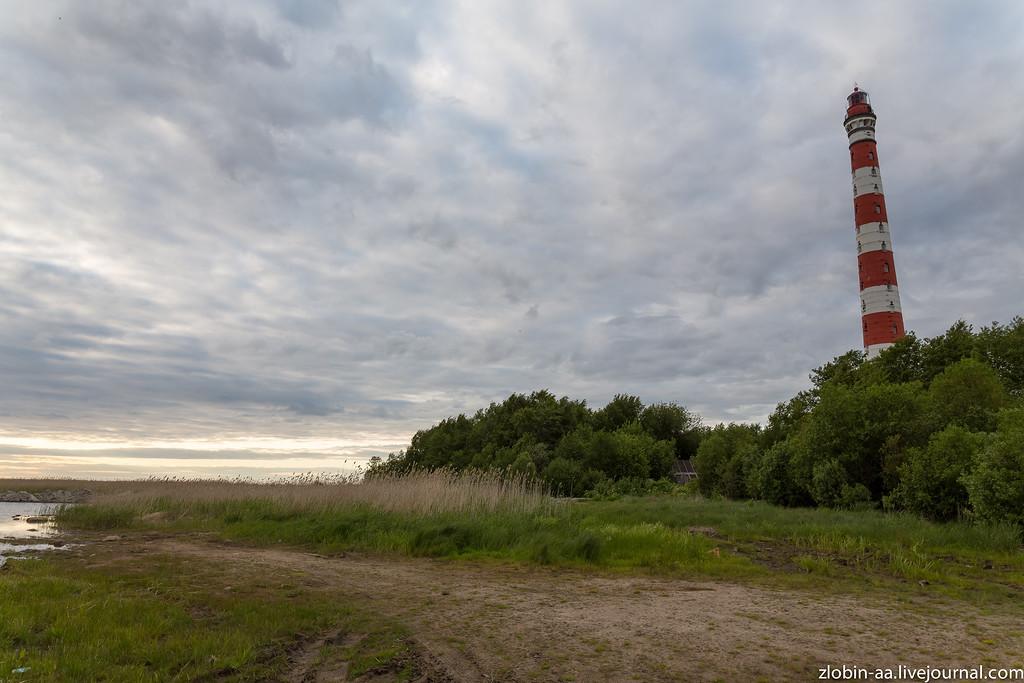 д. Сторожно и Стороженский маяк