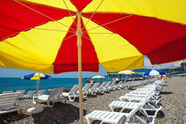 Пляж санатория Знание Сочи
