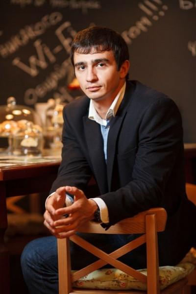 Алан Гущин, Управляющий рестораном
