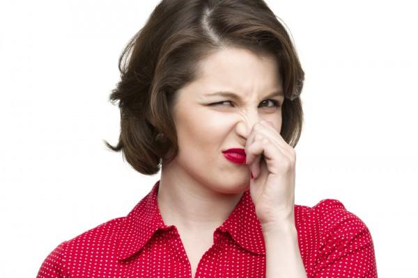 Один из способов получить помощь - не скрывать неприятный запах тела...
