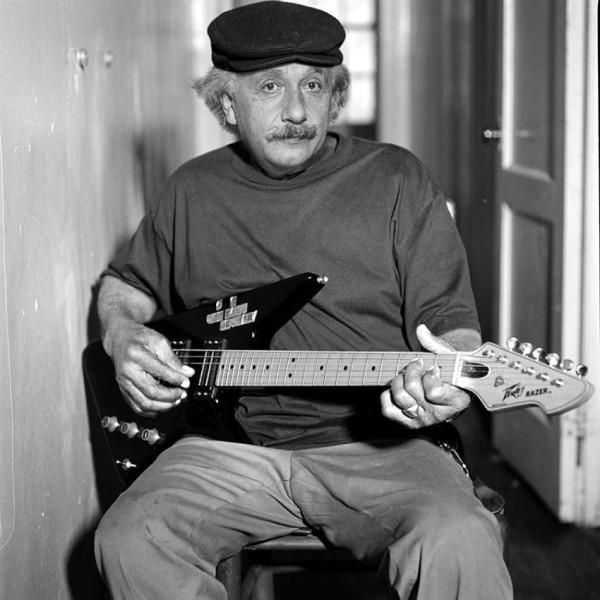 Эйнштейн - слишком сумасшедший, чтобы не быть гением