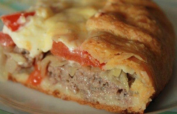 На кухне мясной пирог , тающий во рту