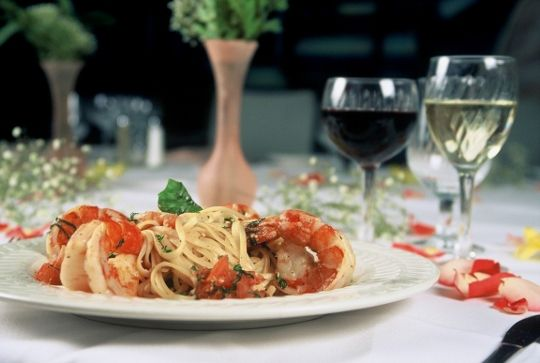 Кишка с овощами, сыр с червяками и торт с кровью - это Италия