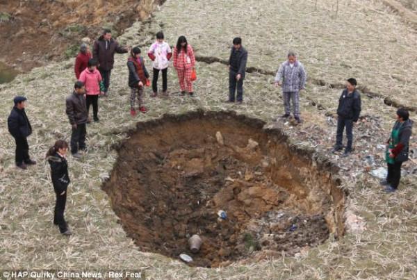 Непознанные тайны Земли.Провалы земли в Китае