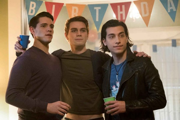 rs_1024x683-170405180029-1024x683.riverdale-kj-apa-lp.4517
