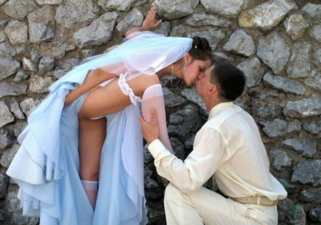 фото у невесты вид под платьем