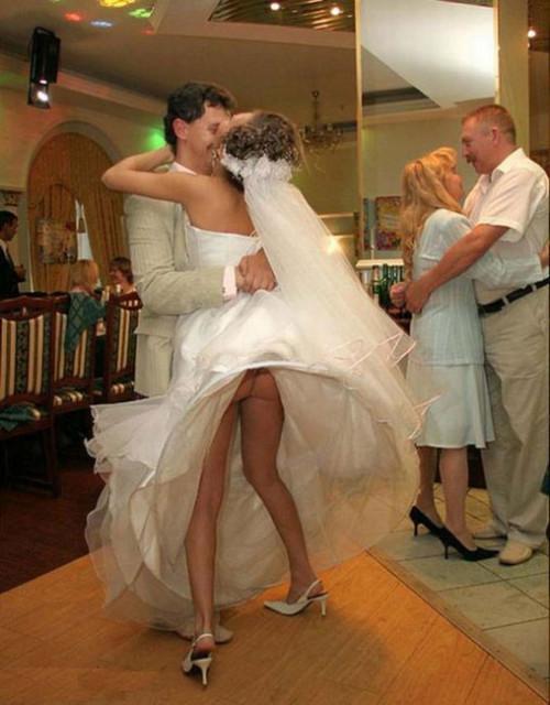 Под платьями у невест фото 382-978
