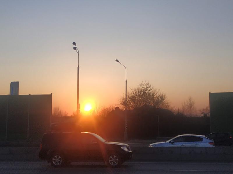Солнце закатилось за Калужку