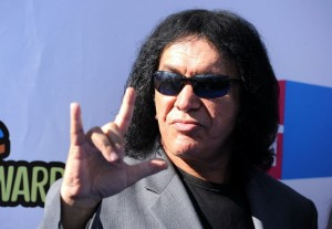 Gene-Simmons-2011-VH1-Something-Awards-Arrivals-ICq7J3o5N7ux