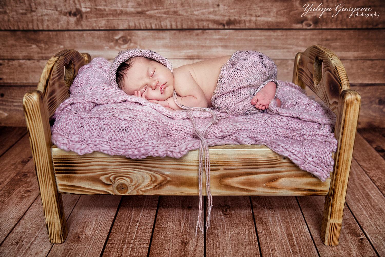 деревянная кроватка для фотосессии запустили одной программы
