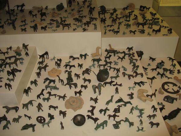 Бронзовые фигурки животных