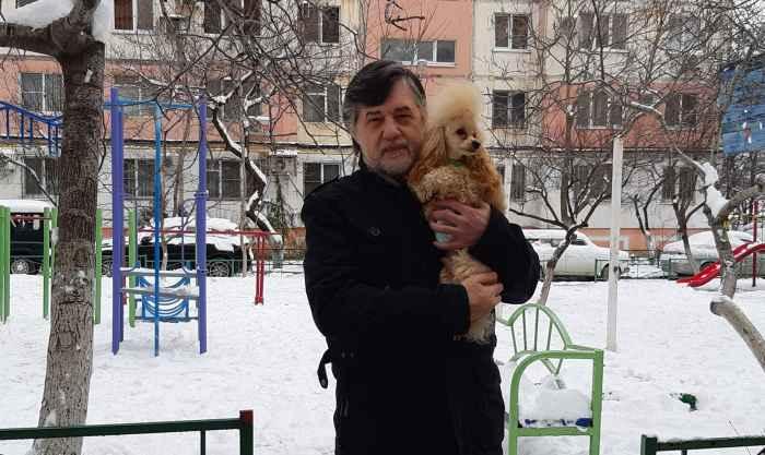 Кешью Мой Нежный Ангел с папой во дворе