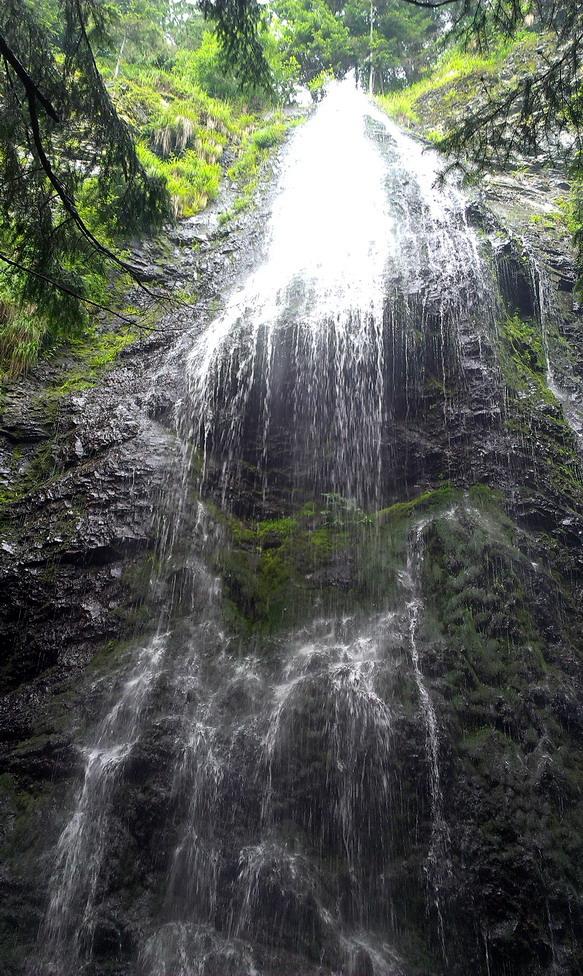 А ось і він - найвищий водоспад Українських Карпат - Ялинський, 26м