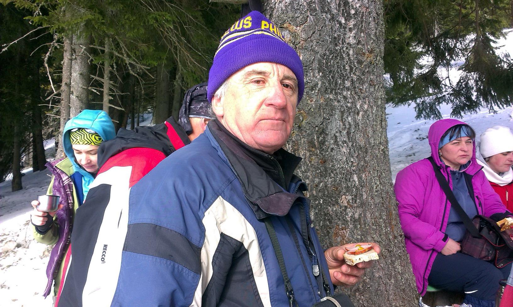 Володимир, найстарший турист в компанії. Третій похід ходимо з ним цієї зими