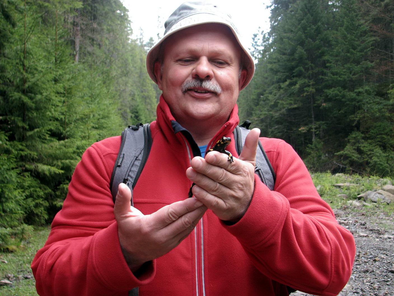 Ну як бути в горах і не сфотографуватися з саламандрою?