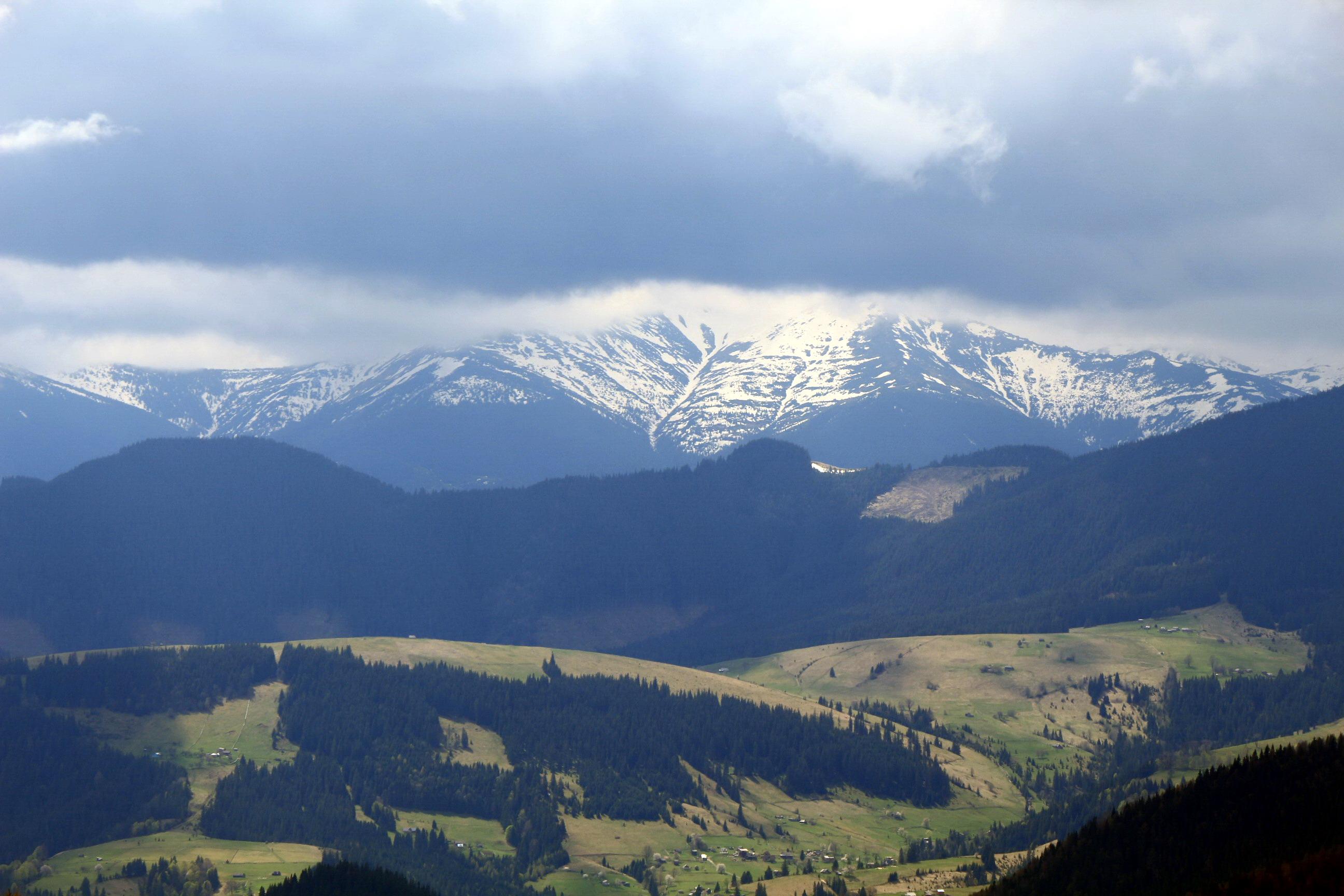Знову видно Чорногору