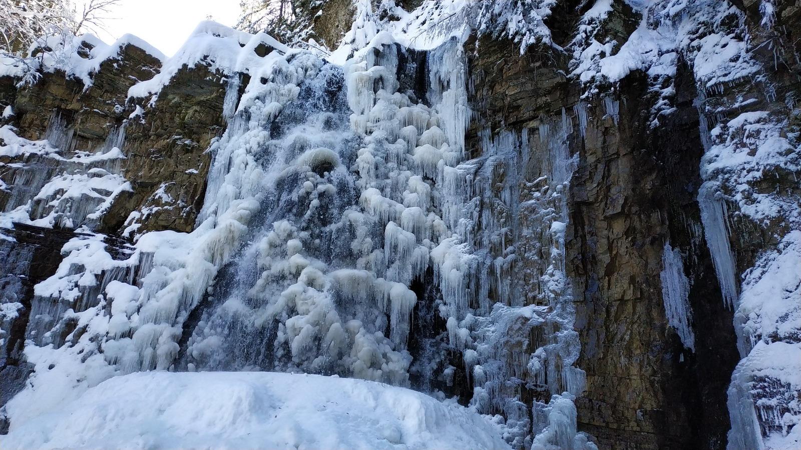 Манявський водоспад зимою. Багато снігу! 9-2-2020: zubrytsky — LiveJournal