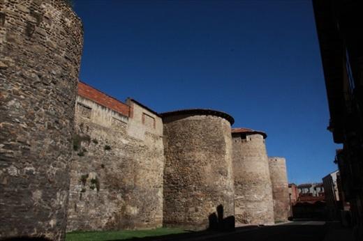 City walls, Leon