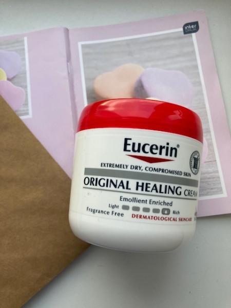 Eucerin, оригинальный заживляющий крем для очень сухой и поврежденной кожи.