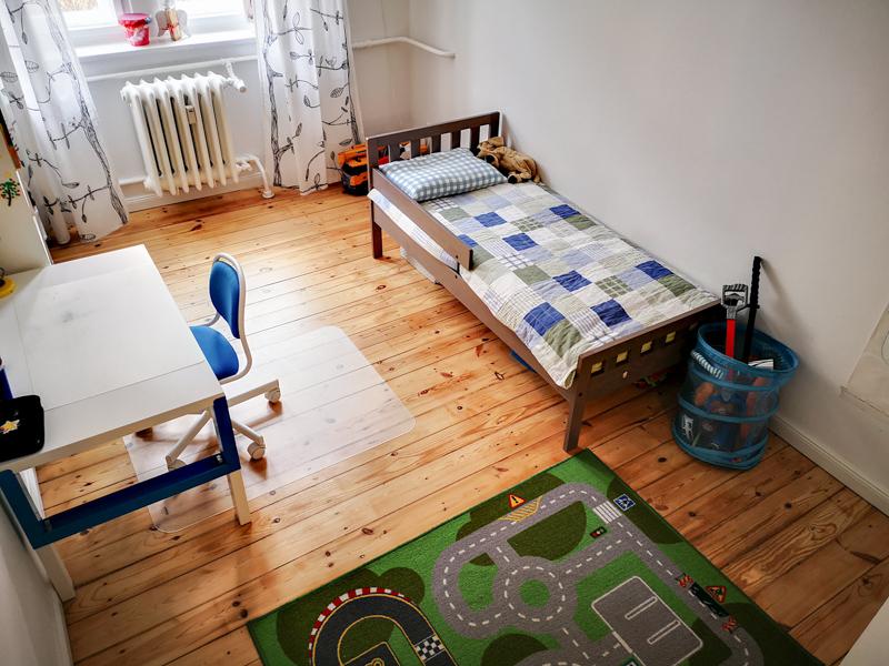 Один день в Берлине. Работа, школа, такса ребёнка, сегодня, Мишка, Берлине, школу, нужно, домой, наггетсы, много, поэтому, Мишки, детей, потому, вместе, мужем, поднимать, должны, немецкие, место, игрушки