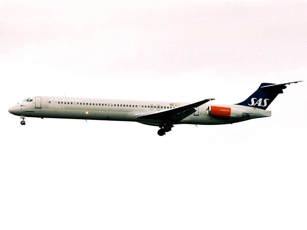 Aircraft_McDonnell_Douglas_DC-9-82_(MD-82)_9