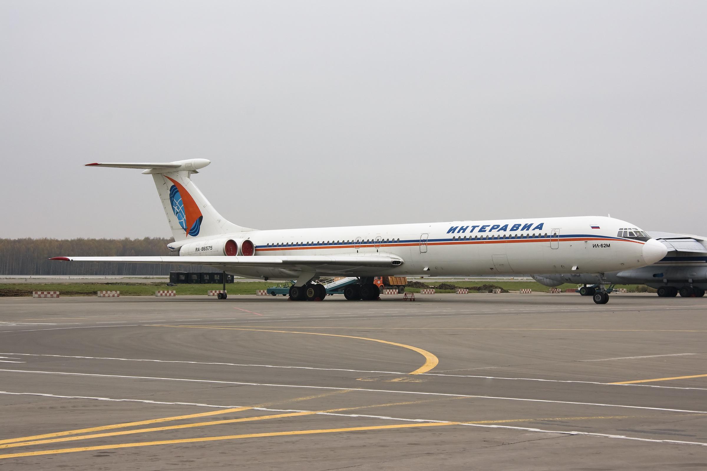 Interavia_Ilyushin_Il-62M