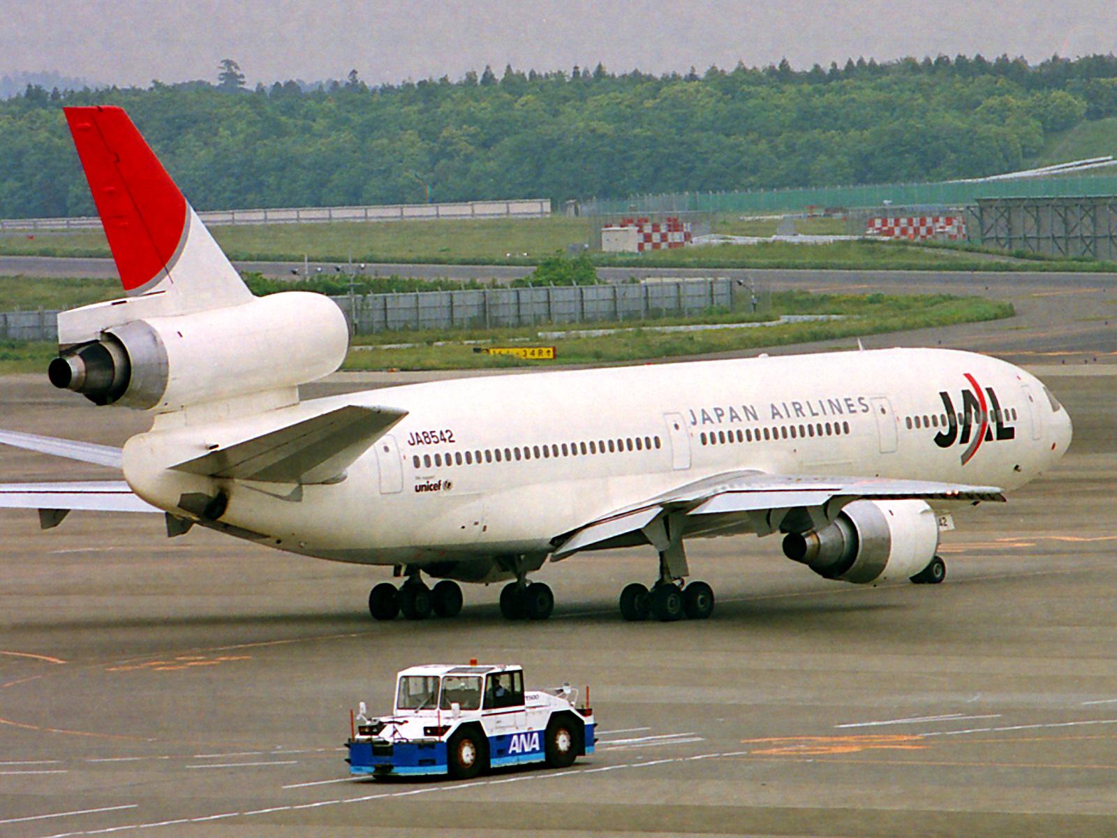JAL-JA8542-McDonnell-Douglas-DC-10-40I-NRT-12446_src_12446