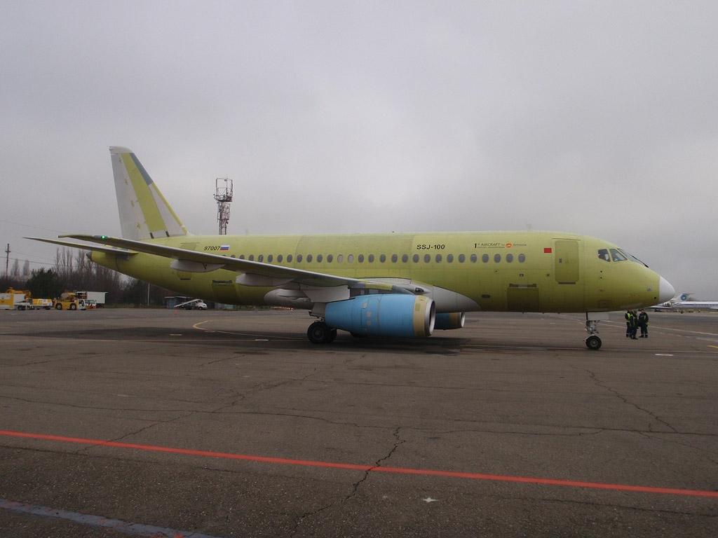 sukhoi-superjet-100-97007-sukhoi-design-bureau-krasnodar-krr-urkk