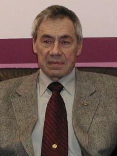 Дворкин Владимир Зиновьевич, ныне главный научный сотрудник Института мировой экономики и международных отношений РА